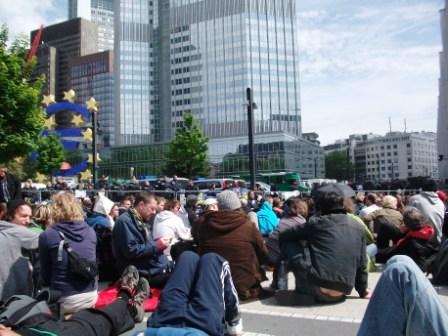 Blockuy-Bestzung EZB in Frankfurt am 18. Mai gegen Verarmungspolitik von Europa